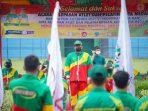 Lepas Atlet Medan ke PON Papua, Bobby Nasution: Jaga Prestasi dalam dan Luar Lapangan