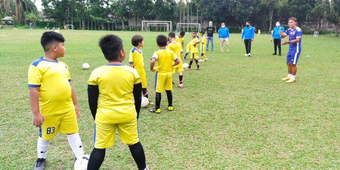 Silaturahmi, KNPI Medan Dukung Turnamen Sepakbola Usia Dini
